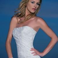 Brand New Demetrios Lace Wedding Dress